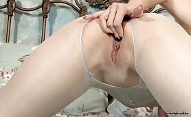Pantyhosed and Fingerfucked